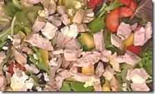 Tacchino freddo speziato con frutta e salsa al miele