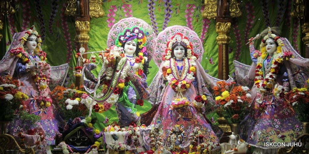 ISKCON Juhu Sringar Deity Darshan on 30th June 2016 (1)