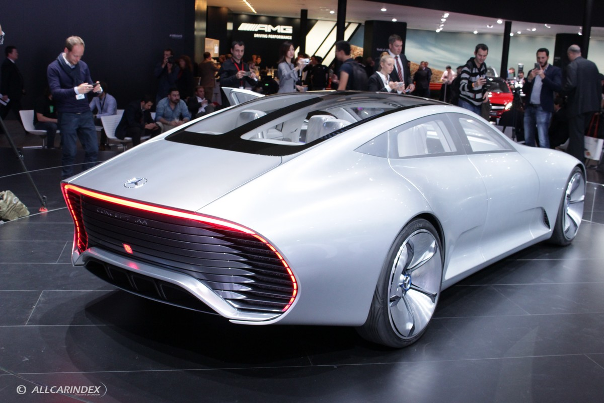 Frankfurt 2015 mercedes benz concept iaa w video for Mercedes benz frankfurt