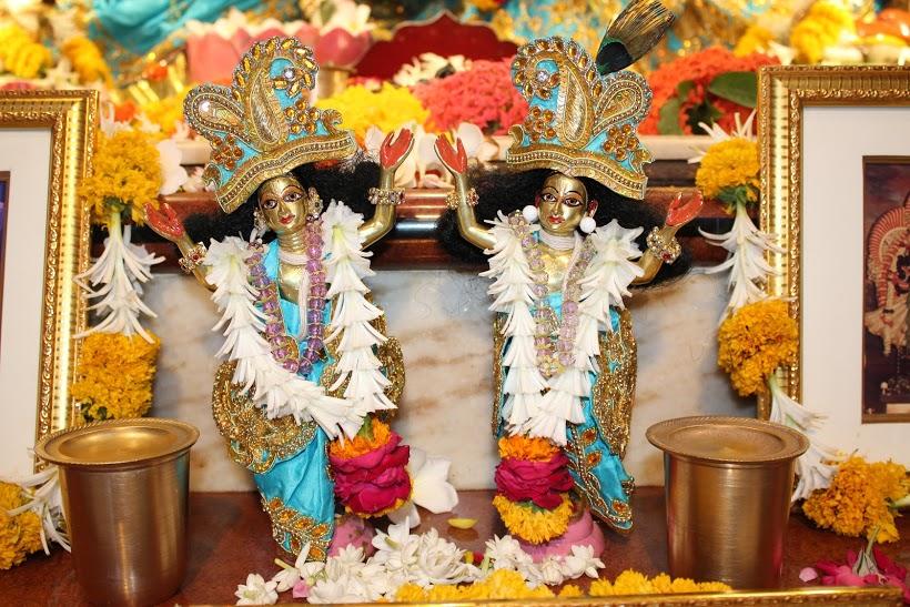 ISKCON Vallabh Vidyanagar Sringar Deity Darshan 23 April 2016 (9)