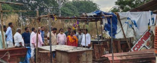 miscrents set fire to beef stall set fire at Mangaluru | ತಾತ್ಕಾಲಿಕ ಬೀಫ್ ಸ್ಟಾಲ್ಗೆ ಬೆಂಕಿ: ತೊಕ್ಕೊಟ್ಟಿನಲ್ಲಿ ಕಿಡಿಗೇಡಿಗಳ ಕೃತ್ಯ