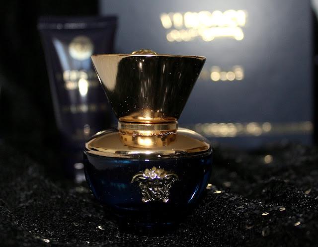 Versace Dylan Blue pour femme. Recenzie