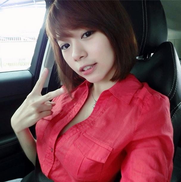 馬來西亞夢幻正妹「明禎」細腰+美腿+巨乳 網友讚極品女神 三圍 個人資料 臉書 馬國真人版娜美