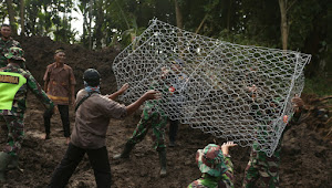 Satgas Zeni TNI AD Hari Mulai Ini Kerjakan Jembatan Penghubung Desa Rade - Bolo