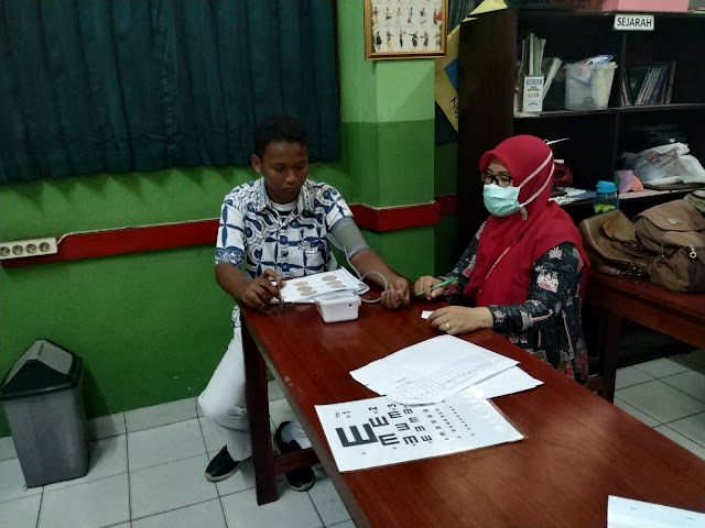 Cek Kesehatan SISWA SMA-SMK Budhi Warman II