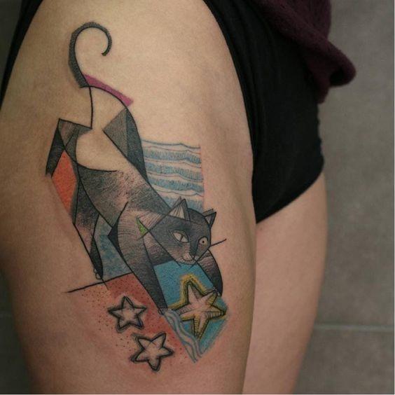 gato_a_brincar_com_a_estrela-do-mar_coxa_tatuagem