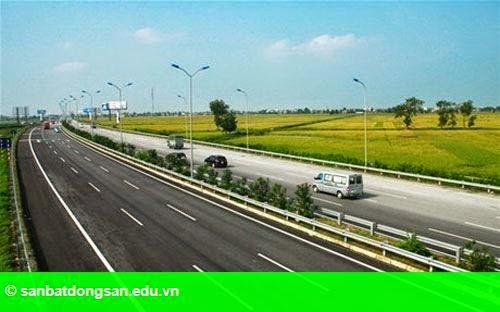 Hình 1: Thủ tướng cho thông xe tạm thời cao tốc Hà Nội - Hải Phòng