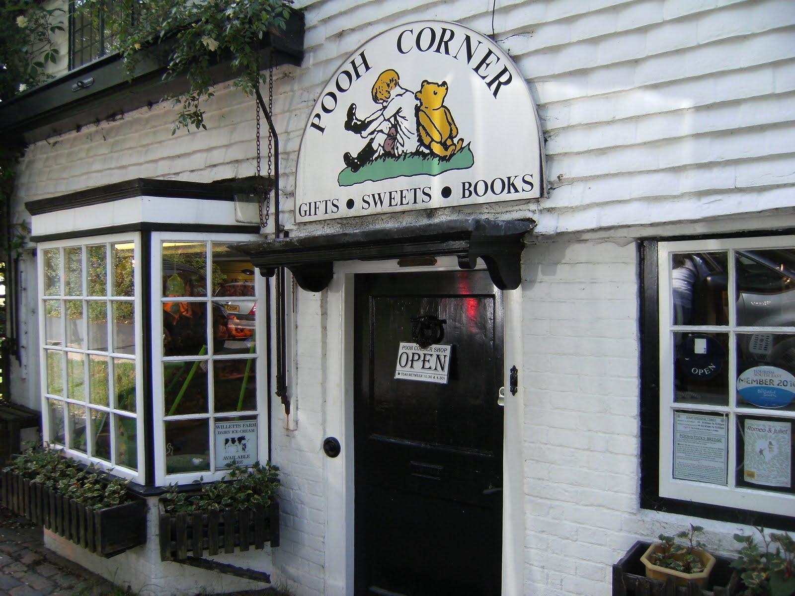 1006120065 Pooh Corner, Hartfield