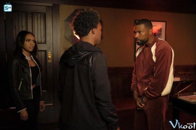 Xem Phim Tia Chớp Đen 1 - Black Lightning Season 1 - phimtm.com - Ảnh 3