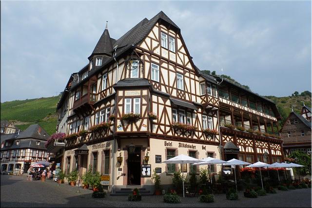 Bonita fachada del Hotel Altkolnischer Hof - Bacharach