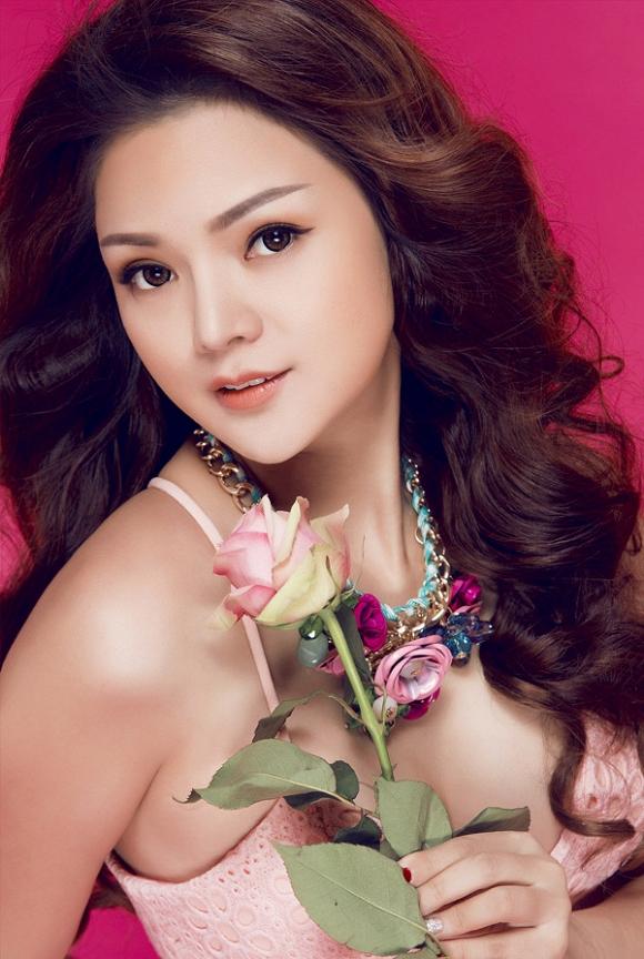 MC Ruby Anh Pham dep trong treo 4