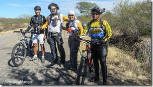 Ciclistas no caminho para Caicó