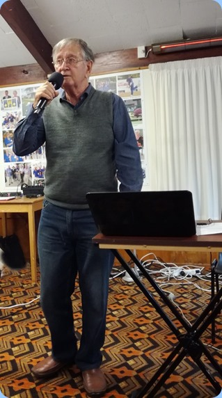 Len Hancy singing a collection of 1930's and 1940's songs based around Vera Lynn. Photo courtesy of Dennis Lyons.
