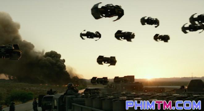 """17 chi tiết thú vị có thể bạn đã bỏ lỡ trong """"Transformers: The Last Knight"""" - Ảnh 13."""