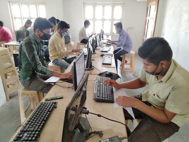 રાજ્ય સરકારનો નિર્ણય : ધોરણ 1થી 9 અને 11ના વિદ્યાર્થીઓને માસ પ્રમોશન, ગુજરાત બોર્ડની ધો.10 અને 12ની પરીક્ષા મોકૂફ
