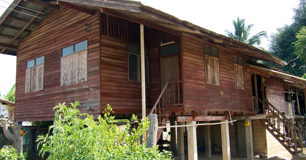 The Disappearing Wooden Thai House...