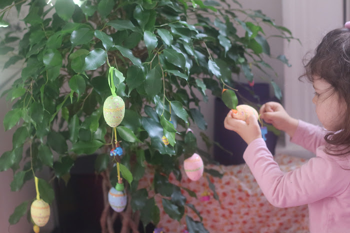 Easter home decoration ideas children, Montessori Easter, ideas este toddlers , fig tree