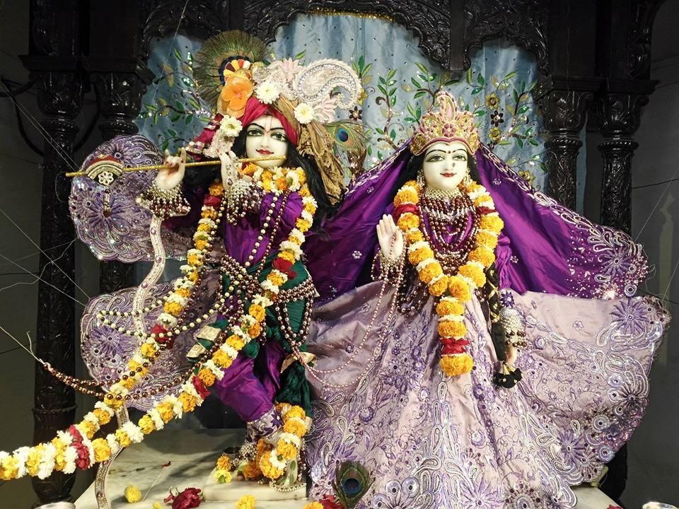 ISKCON Rajkot Deity Darshan 01 Jan 2017 (3)