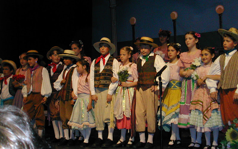 2002 The Gondoliers  - DSCN0474.JPG