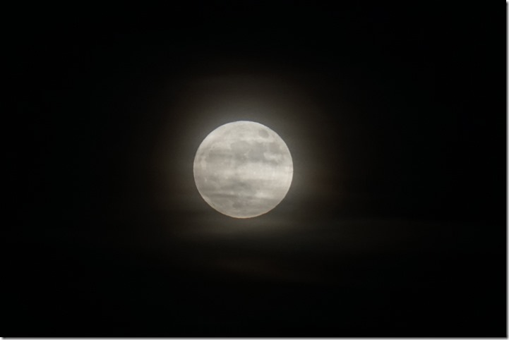 lopez super moon 010118 00001
