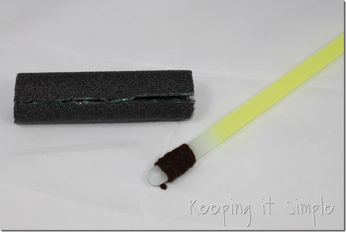 DIY-Glowing-Star-Wars-Light-Sabers (3)