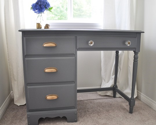 Desk-Makeover-Grey-and-Gold-Accents-With-the-Homeright-Sprayer-6-2