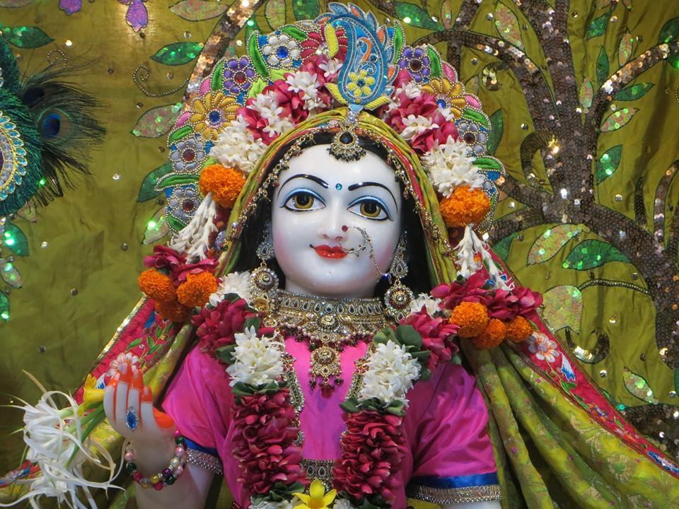 ISKCON Aravade Deity Darshan 09 Mar 2016 (8)