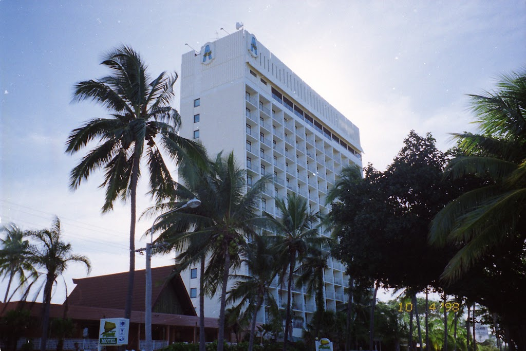 1320The Aquarius Hotel, The Strand