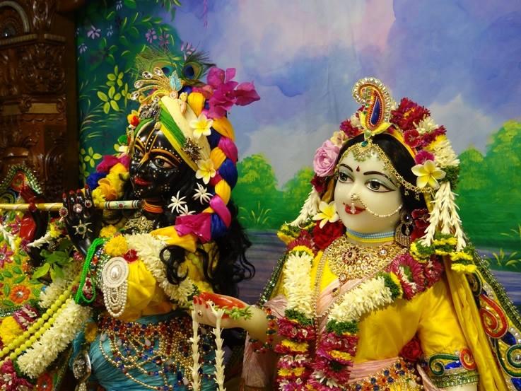 ISKCON Nigdi Deity Darshan 18 Dec 2015 (28)