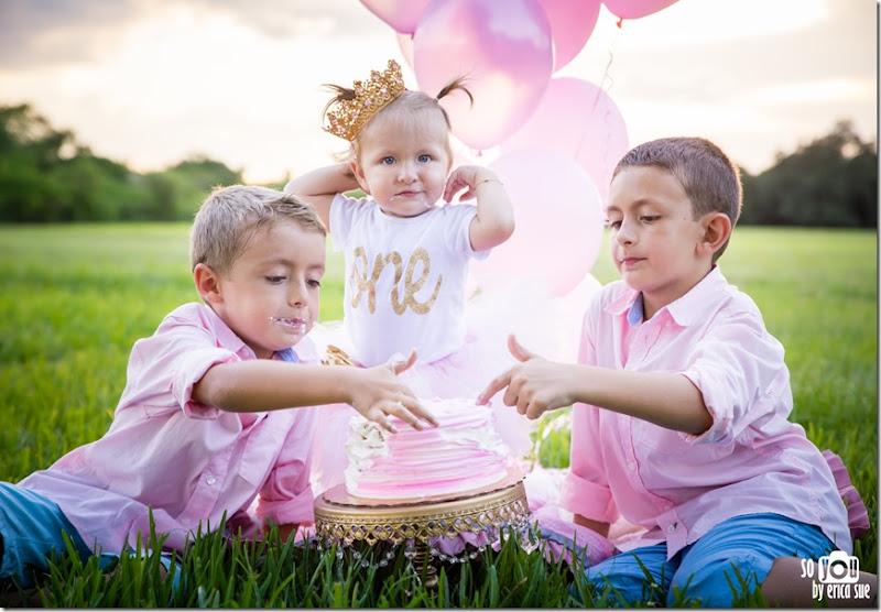 first-birthday-cake-smash-photo-session-pink-tutu-robbins-park-davie-fl-9455