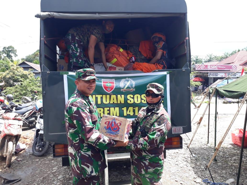 Sigap, Dandim 1423/Soppeng Salurkan Bantuan Kemanusiaan di Masamba, Ini Ulasannya