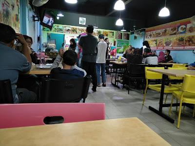 Permandangan Dalam Restoran