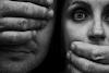 Ενδοοικογενειακή βία - (Απο)κλεισμένη με τον εχθρό μου!