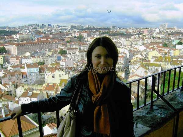 Смотровая площадка мирадору да Граса в Лиссабоне