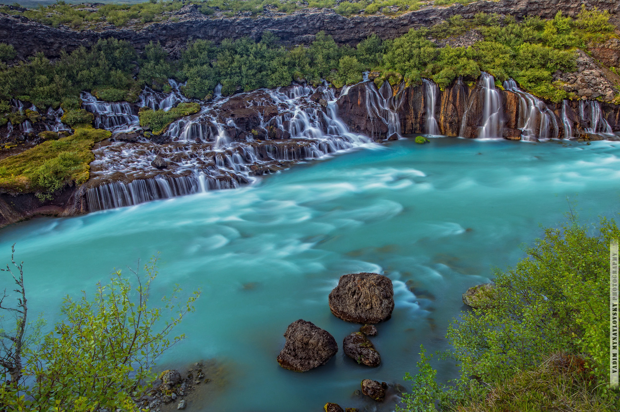 Водопад Хрёйнфоссар Waterfall Hraunfossar