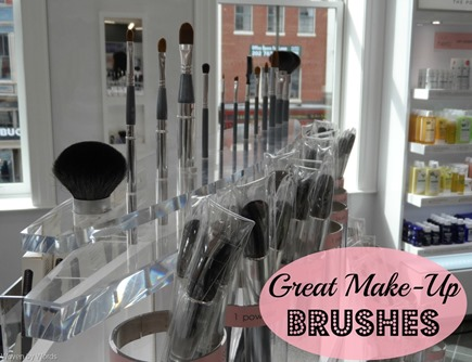 make-up brushes[9]