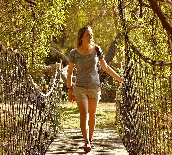 THE SPORTIVE WHAT TO WEAR ON SAFARI IN SOUTH AFRICA FOR WOMEN 2