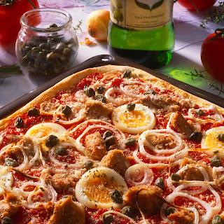 Pizza al Tonno (Pizza mit Thunfisch)