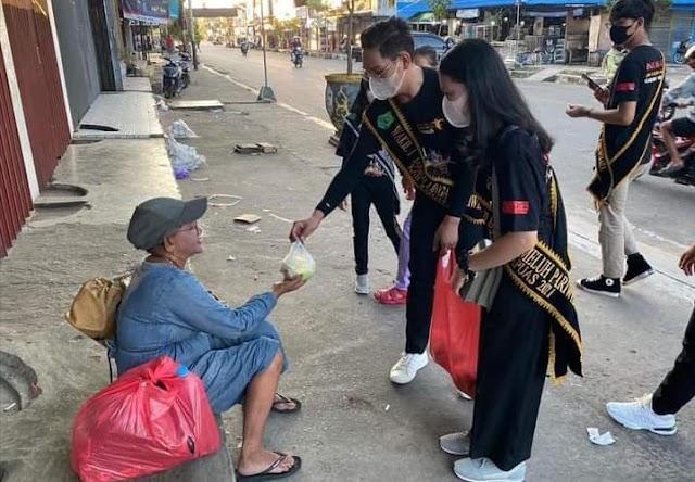 Isi Ramadan, Jagau Linga Bawi Kameluh Pariwisata Kapuas Bagikan Takjil  dan Masker