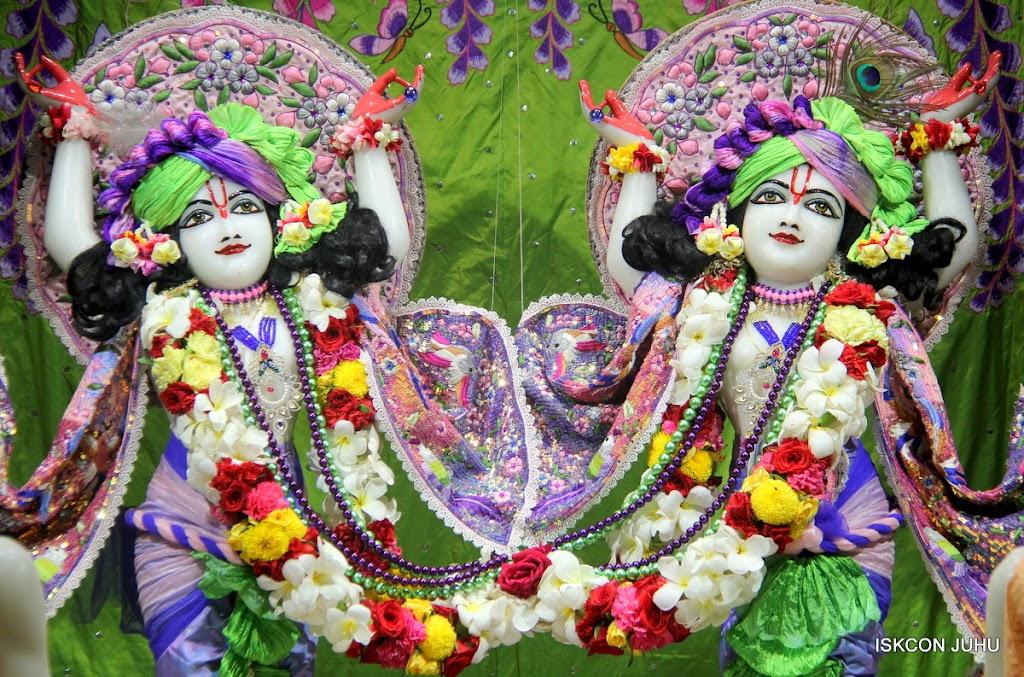 ISKCON Juhu Sringar Deity Darshan on 30th June 2016 (30)