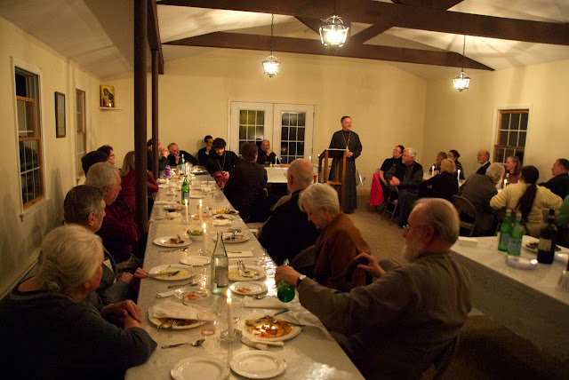 Fr. John welcomes guests to the DDB Dinner in Dix Hills.