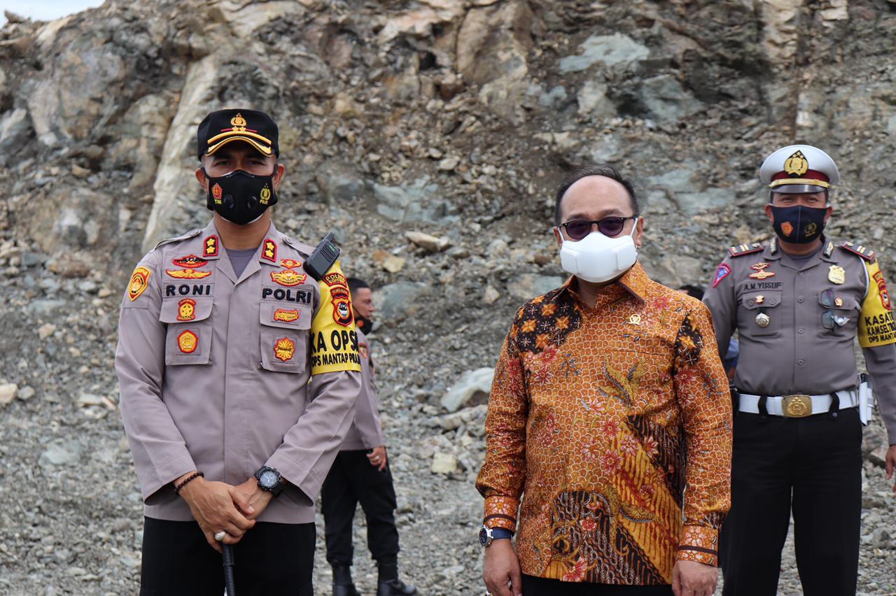 Anggota Komisi III DPR RI Cek Lokasi Pembangunan Mako Polres Soppeng