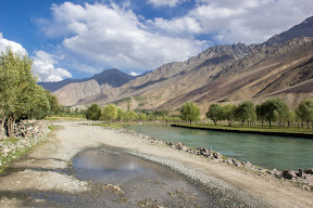 The road near Shahimal, Ghizer
