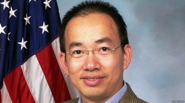 Chàng lao công gốc Việt trở thành khoa học gia không gian vũ trụ của Mỹ