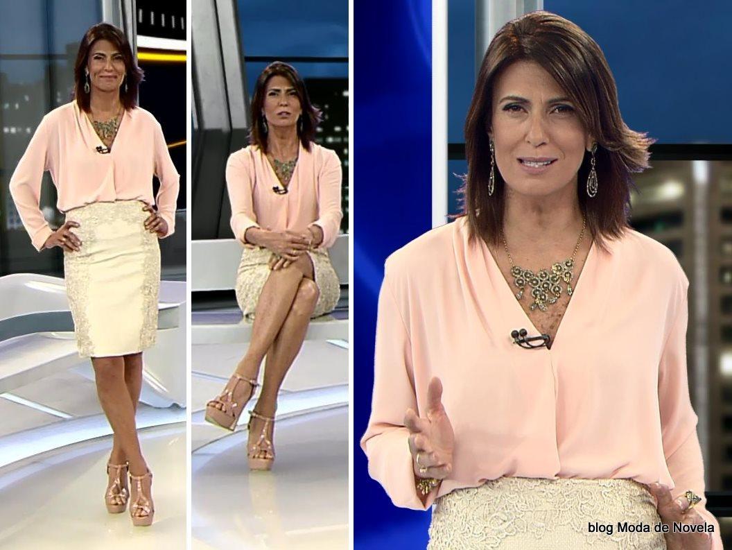 moda do programa Domingo Espetacular - look da Janine Borba dia 3 de agosto