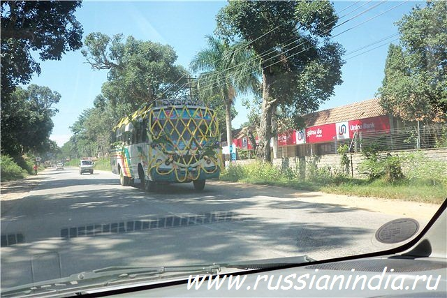 Дасара, украшение автобуса