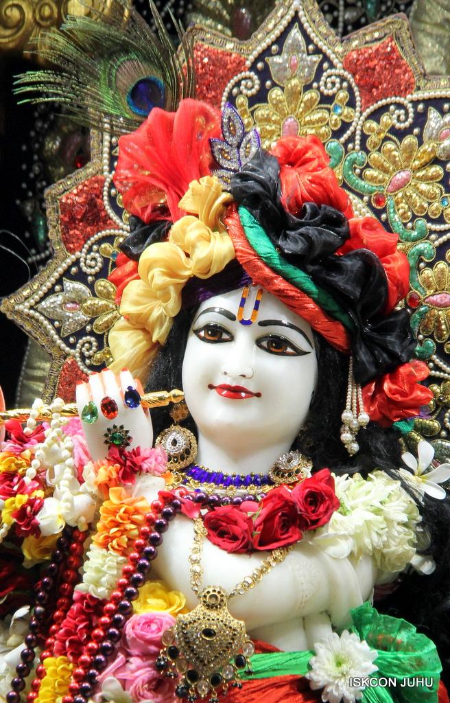 ISKCON Juhu Sringar Deity Darshan on 24th September 2016 (43)