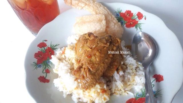 maniak-makan-rumah-makan-sederhana-kampung-sewu-solo-nasi-ayamrica