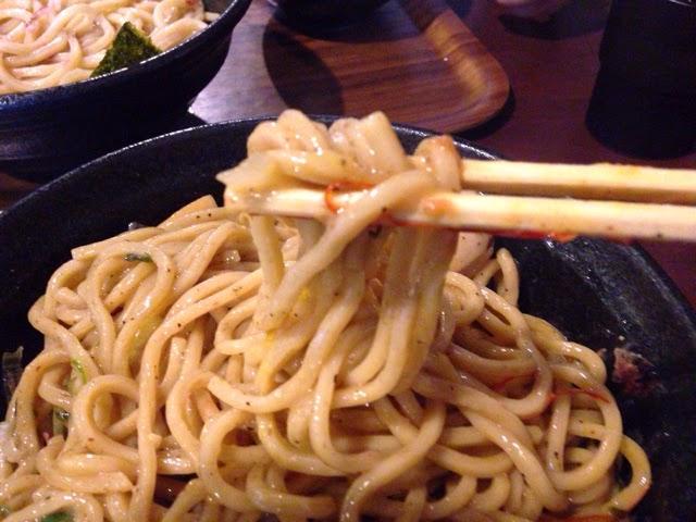 きころく成増 混ぜた後の麺リフト