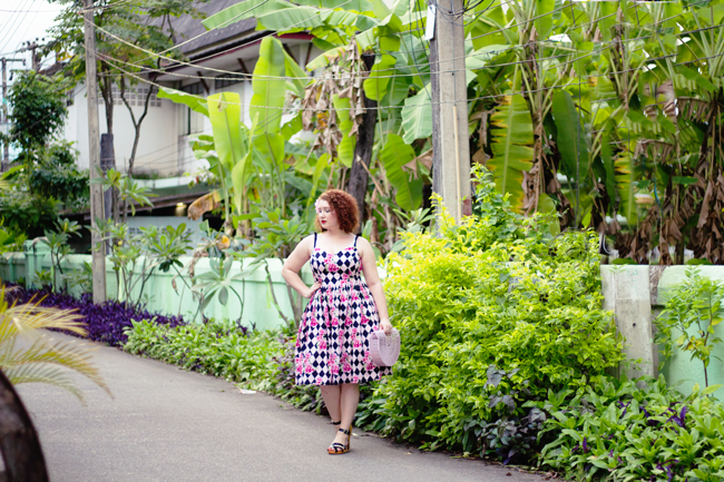 Wearing vintage summer style in tropical Thailand | Lavender & Twill